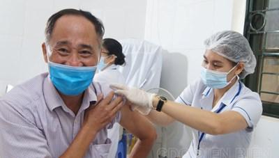 Hà Nội: Thêm 3 ca mắc Covid-19, có 2 người vào chăm con ở BVĐK Đức Giang
