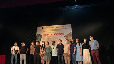 Sân khấu Việt 'rộn ràng' ngày trở lại
