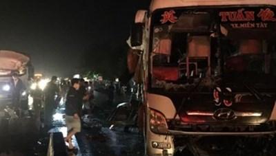 20 người thương vong trong vụ tai nạn giao thông nghiêm trọng tại Tiền Giang