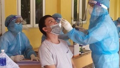 Không bắt buộc xét nghiệm Covid-19 khi đi khám bệnh