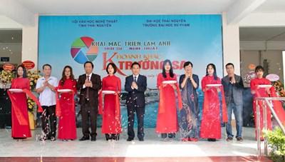 Thái Nguyên: Triển lãm ảnh 'Khoảnh khắc Trường Sa'