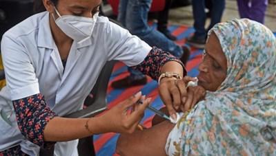 WHO khuyến cáo tiêm vaccine tăng cường cho người miễn dịch yếu