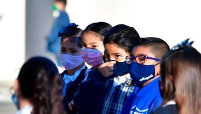 Vaccine Covid-19 cho trẻ em: Cẩn trọng từng bước