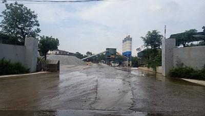 Vĩnh Phúc: Trạm trộn bê tông không phép 'mọc' trên đất lâm nghiệp