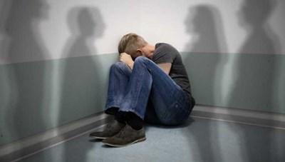 Nguy cơ tự tử ở trẻ vị thành niên mắc bệnh trầm cảm