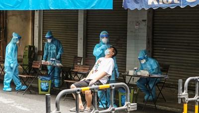 Hà Nội ứng phó việc người chưa tiêm vaccine trở về Thủ đô