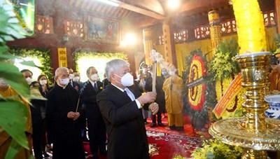BẢN TIN MẶT TRẬN: Đoàn UBTƯ MTTQ Việt Nam viếng Đại lão Hòa thượng Thích Phổ Tuệ