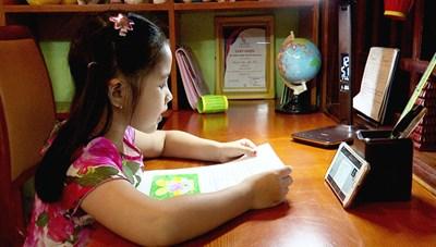 Khắc phục khó khăn để dạy và học trực tuyến