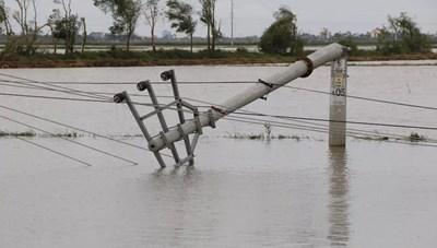 Khoảng 7.500 trạm biến áp bị mất điện do bão số 9