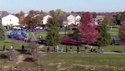 [VIDEO] Người dân tại bang Indiana xếp hàng đi bầu cử Tổng thống Mỹ
