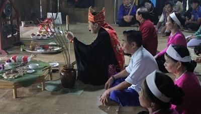 Độc đáo Lễ Mát nhà người Mường