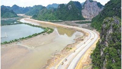 Xây dựng Quảng Ninh thành tỉnh kiểu mẫu giàu đẹp, văn minh