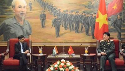 Chủ nhiệm Tổng cục Chính trị QĐND Việt Nam tiếp Đại sứ Ấn Độ