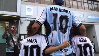 Tinh thần 'cháy hết mình' của Maradona còn mãi trong lòng người hâm mộ