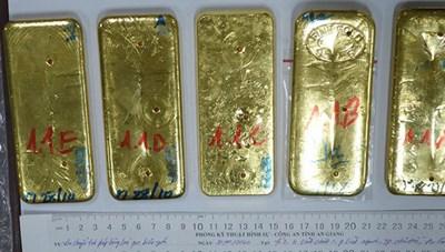 Khởi tố, truy nã thêm 2 đối tượng vụ buôn lậu 51 kg vàng qua biên giới An Giang