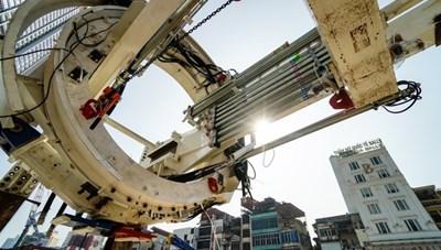 [VIDEO] Robot đào hầm 'khổng lồ' nặng 850 tấn