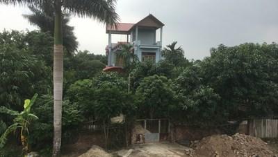 Vụ việc vô tư chiếm đất công làm nhà ở Đông Anh, Hà Nội: Chờ huyện kết luận và đưa ra hướng xử lý