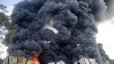 Hỏa hoạn thiêu rụi Công ty sản xuất mút xốp