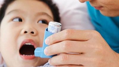 10 yếu tố khiến hen phế quản ở trẻ tăng nặng
