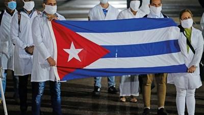 Bác sĩ Cuba tới Panama hỗ trợ chống dịch Covid-19