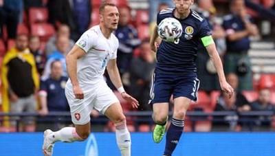 [VIDEO] Scotland 0-2 Czech: Người hùng Schick