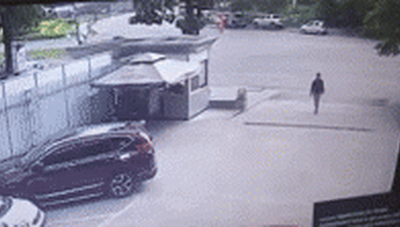 Khoảnh khắc nữ tài xế mất lái tông 1 người tử vong