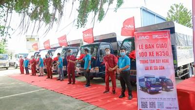 Đến Trung tâm đào tạo lái xe Sài Gòn trải nghiệm thực hành trên hàng trăm xe đời mới