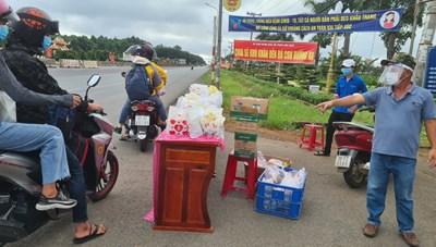 Đồng Nai: Tăng cường kiểm soát người dân đi xe máy về quê tránh dịch