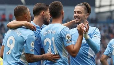 Tân binh Jack Grealish ghi bàn may mắn, Man City vùi dập Norwich 5-0