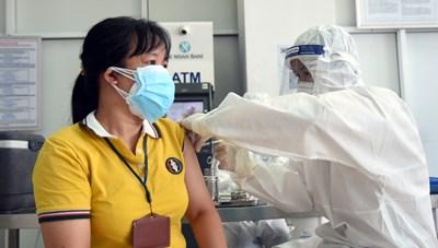 Đồng Nai: Nghiêm cấm nhận tiền bồi dưỡng tiêm vaccine