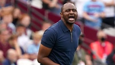 Duyên chiến thắng của Patrick Vieira trước Tottenham