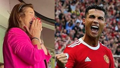 Mẹ Ronaldo bật khóc khi con trai ghi bàn, bị quý tử 'cấm' xem thi đấu