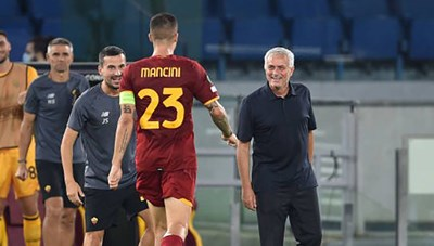 Vùi dập CSKA Sofia 5-1, Mourinho được khen 'hóa rồng' cho AS Roma