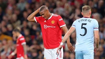 MU bị loại sốc trước West Ham tại League Cup, tranh cãi mất oan phạt đền