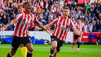 Liverpool bị tân binh Brentford cầm hòa trong trận cầu 6 bàn thắng