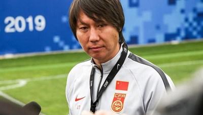 HLV Trung Quốc khẳng định đội nhà thắng may mắn tuyển Việt Nam