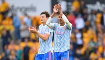 Mất bộ đôi trung vệ thép, Man United đối diện nguy cơ trượt dốc