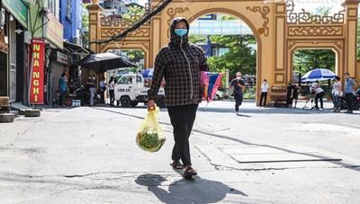 Hà Nội: Trao trợ cấp cho người lao động bị mất việc làm do dịch Covid-19
