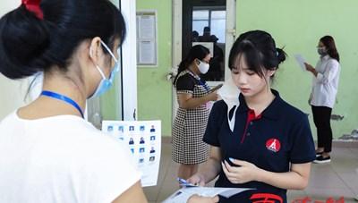 [ẢNH]Gần 900.000 thí sinh cả nước dự thi môn ngữ Văn trong sáng nay