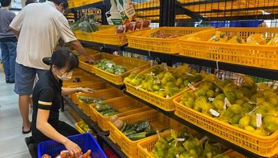 TP Hồ Chí Minh: Người dân thay đổi thói quen, siêu thị trở tay không kịp