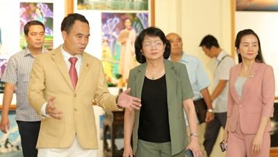 Phó Chủ tịch nước Đặng Thị Ngọc Thịnh thăm Bảo tàng Trầm Hương