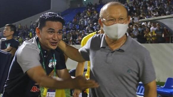 Báo Thái Lan sốc trước tin Kiatisuk có thể sớm thay HLV Park Hang Seo