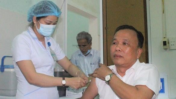 Những mũi vaccine phòng Covid-19 đầu tiên được tiêm ở Quảng Nam