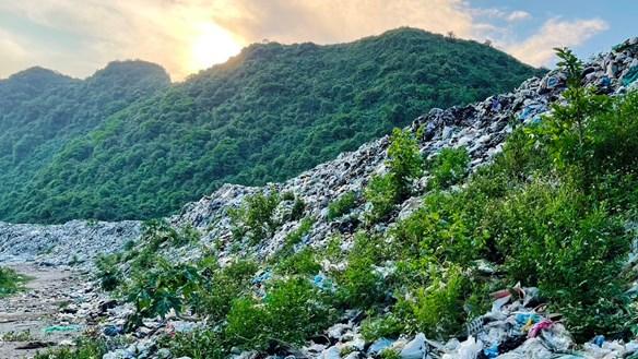 Ô nhiễm ở bãi rác Quèn Khó bao giờ được xử lý?