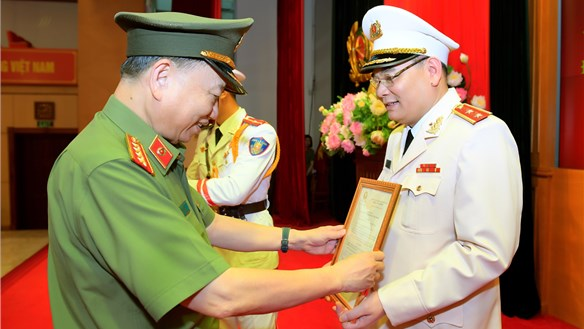 Chánh Văn phòng, Người Phát ngôn của Bộ Công an được thăng hàm Trung tướng