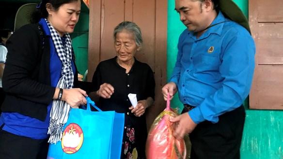 Mang yêu thương từ TP HCM ra Quảng Bình