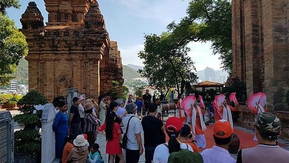 Khánh Hòa: Dự kiến đón 70.000 lượt khách du lịch đợt lễ 30-4 và 1-5