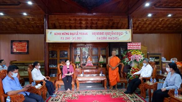 Phó Chủ tịch Trương Thị Ngọc Ánh chúc mừng Đại lễ Phật đản 2021 tại Cần Thơ