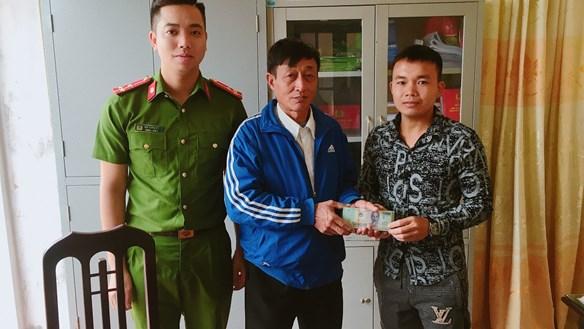Nam Định: Nhặt được 38 triệu đồng, nhờ công an tìm người đánh rơi