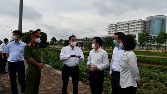 Chủ tịch Hà Nội: Phát hiện thêm bác sĩ, bệnh nhân BV Nhiệt đới Trung ương mắc Covid-19